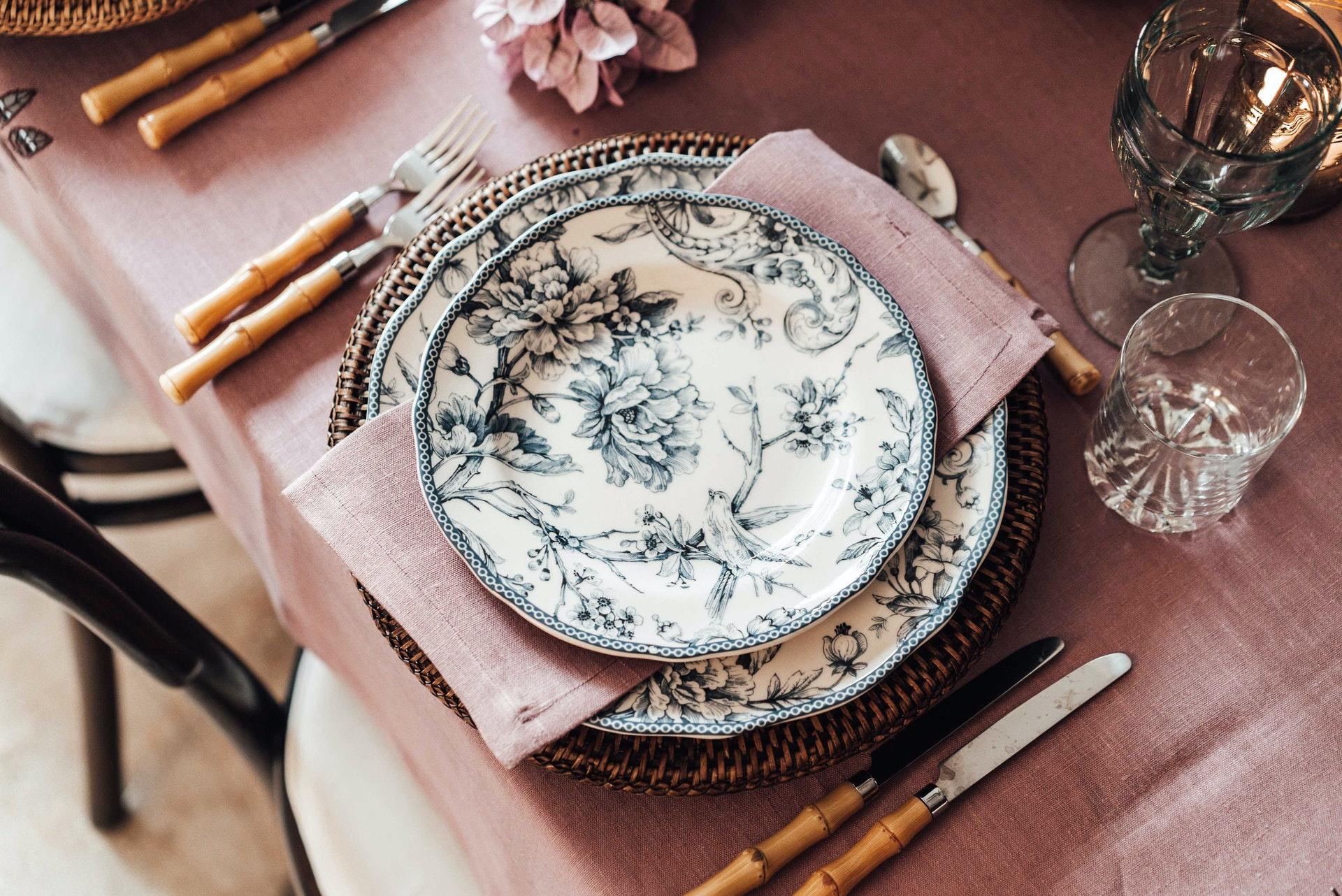 DIY-Ideen für den Sommer: Porzellan bemalen